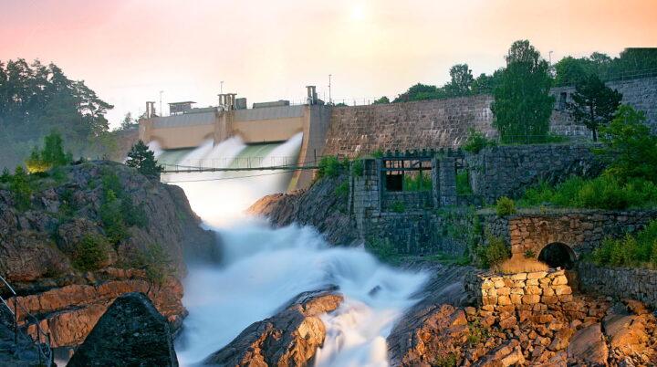 Trollhättefallen 300 000 liter vatten varje sekund