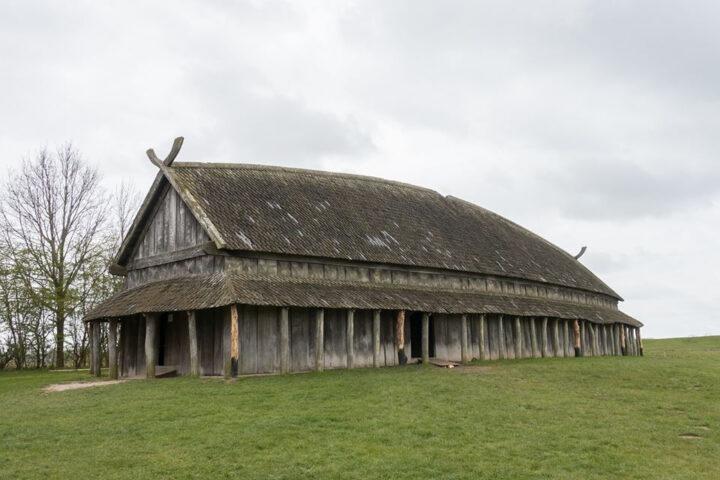 Gåtfullt långhus från 300-talet nära Äskekärr