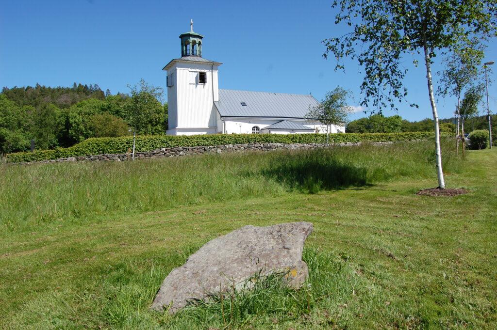 Vikingatida gravar i Nödinge kyrka