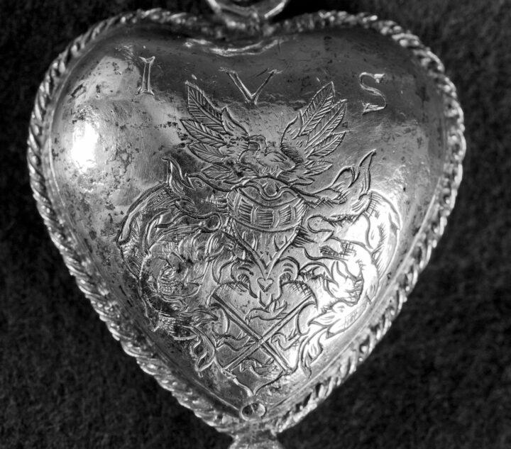 """Silverhjärtats gåta  – """"Mysteriet är som en Da Vinci-kod"""""""